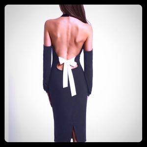 OPEN SHOULDER BACKLESS DRESS